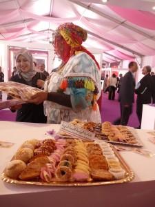 Vente de produits durant le Festival du Safran